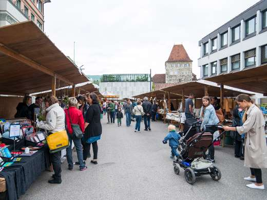 Kunterbunter Markt, Schlossplatz, Foto: Peter Koehl