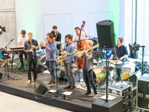 Suma Covjek Orkestar, Foyer, Foto Peter Koehl