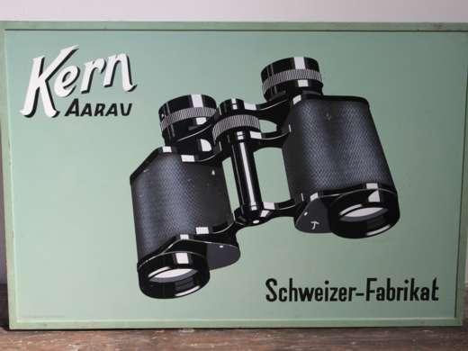 Werbeschild für Prismen-Feldstecher, Kern Aarau, 1930er-Jahre